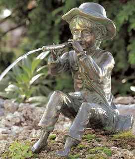 """Gartenskulptur / Wasserspeier """"Toni, der kleine Flötenspieler"""", Bronze"""