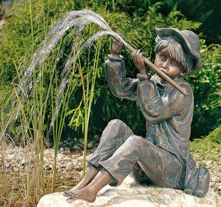 """Gartenskulptur / Wasserspeier """"Flötenspielender Hans im Glück"""" (Version ohne Stein), Bronze"""