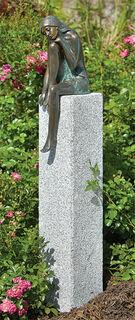 """Gartenskulptur """"Emanuelle"""" (Version mit Stele)"""