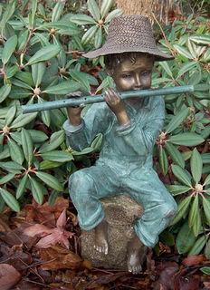 "Gartenskulptur / Wasserspeier ""Flötenspieler"", Bronze"