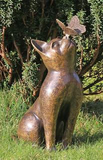"""Gartenskulptur """"Katze mit Schmetterling"""", Bronze"""